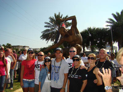 cocoa beach unveils the kelly slater statue  quiksilver, Beach House/