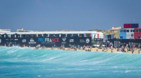 Join in the  F U N  at #ROXYpro France
