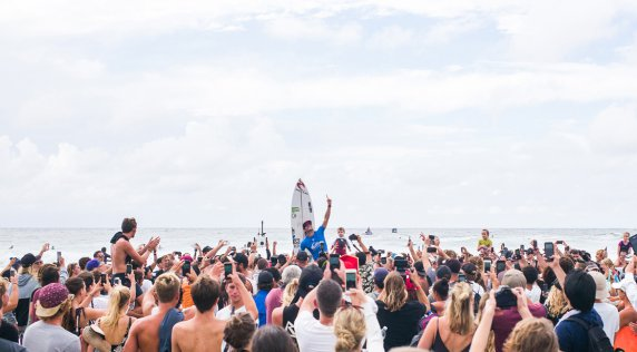 The Moment That Defined The 2017 Quiksilver Pro