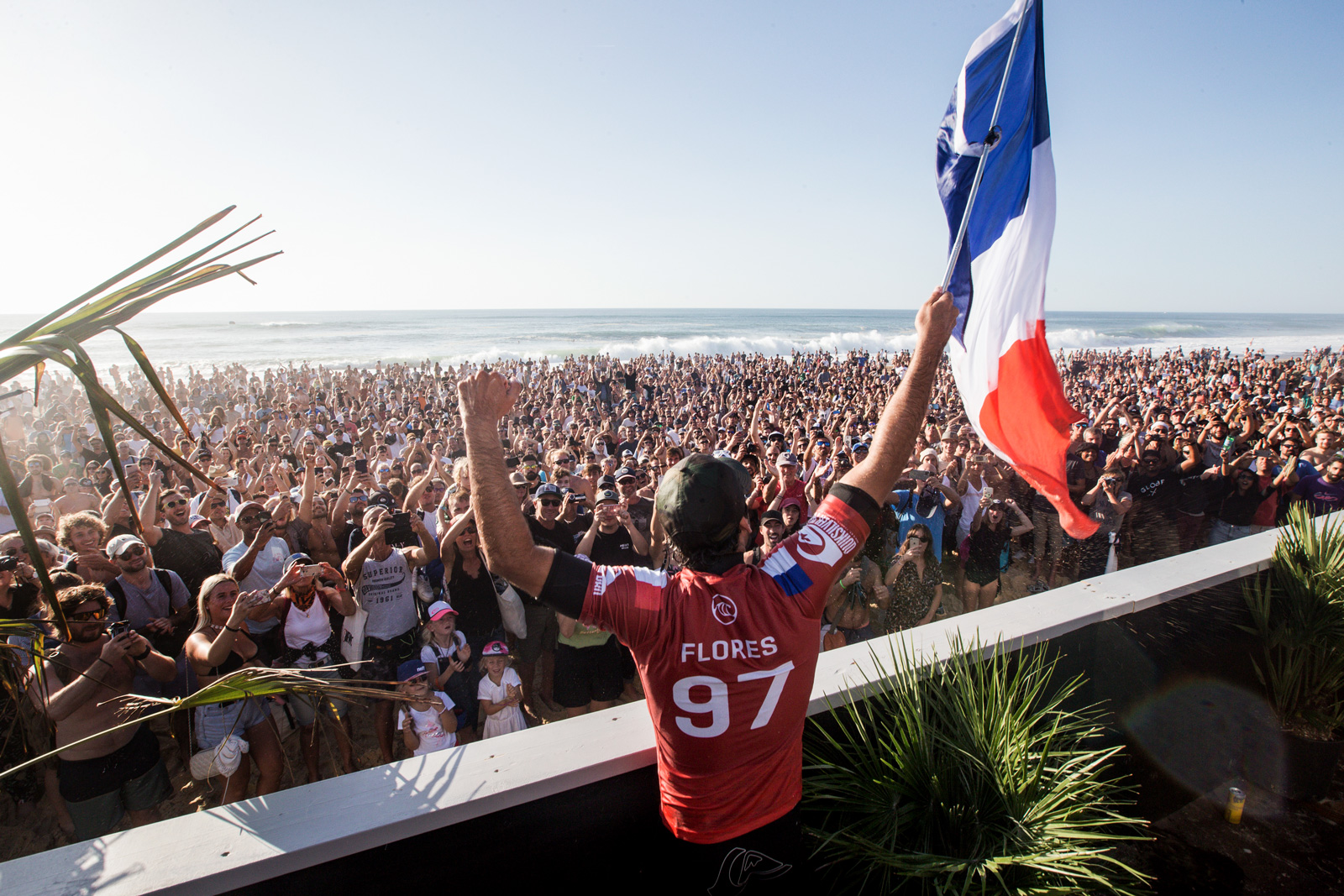 Jeremy Flores Quiksilver Pro Winner Thanking Crowd