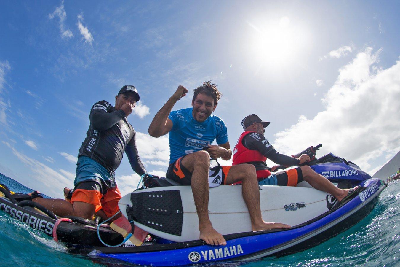 Jeremy Flores  Winner of Billabong Pro Tahiti  6cdd3fa1c94